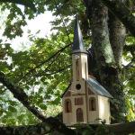 Septembre 2020: Nichoir église d'Ostwald en Alsace dont le compartiment cloches s'illumine le soir venu !!!