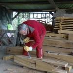 Jean-Pierre aussi aime le travail du bois