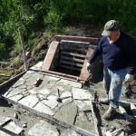 Le dallage entre asphalte et bassin